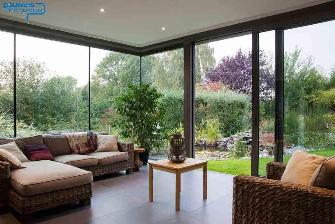Wintergarten verbindung zwischen haus und natur for Wintergarten einrichtung modern